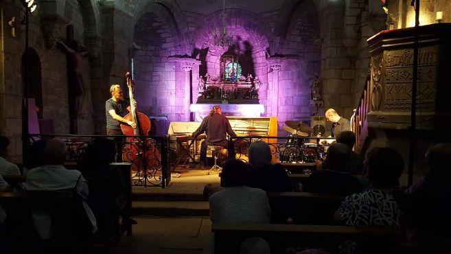 Piero iannetti, concert en église, avec Frédéric Chopin jazz project, Collégiale St Laurent, Auzon
