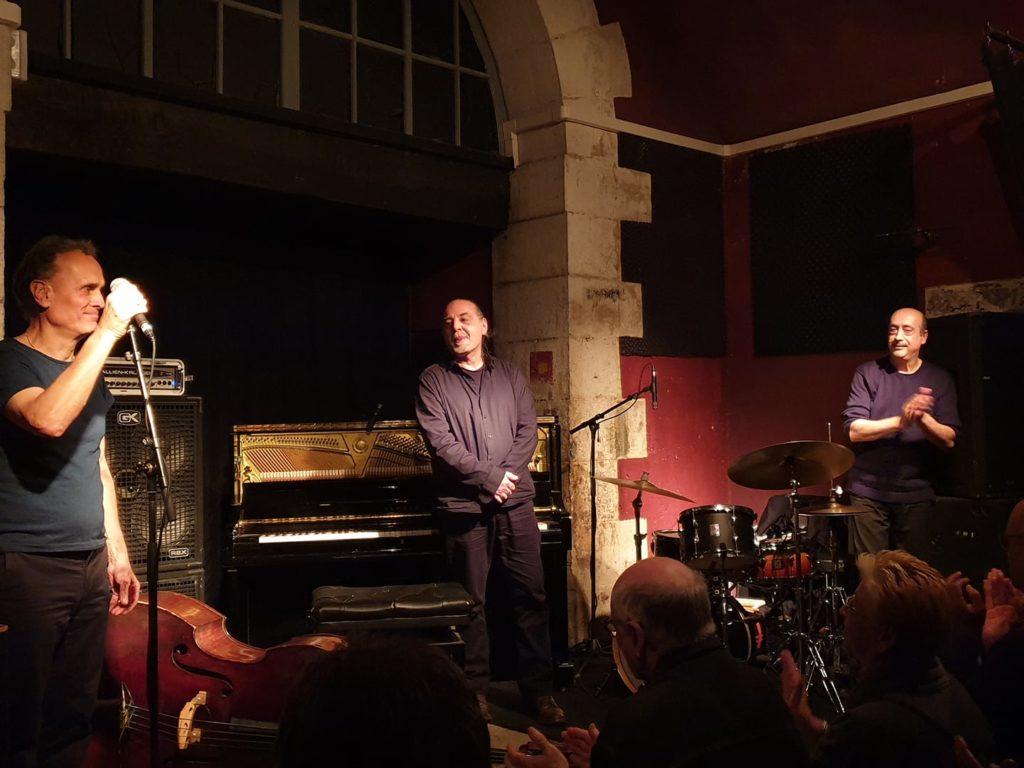 Piero iannetti, photo de concert en club de jazz, avec Frédéric Chopin jazz project, au studio 11, Toulon.